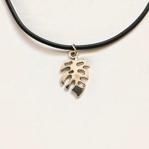 ⚡️2 for $15 Silver Leaf Pendant on Black Choker